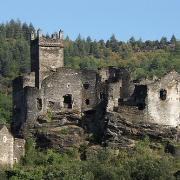 Chateau de Bresis à 3 km du gite Castagnere en Cévennes