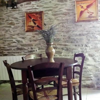 Espace repas du gîte Castagnère 4* en Cévennes
