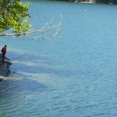 Peche lac de Villefort @ Gite Castagnere