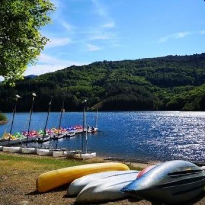 Centre nautique lac de Villefort @ Gite Castagnere