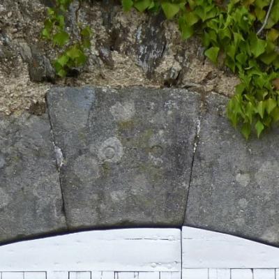 1828, construction de la magnanerie du mas Castagnère