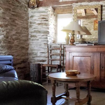 Espace salon du gite Castagnère 4* en Cévennes